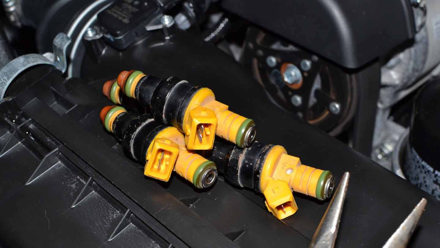 how-to-replace-fuel-injectors-body-image